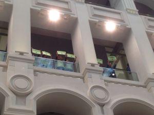 Trabajadores despedidos de Madridec reclamando readmisión